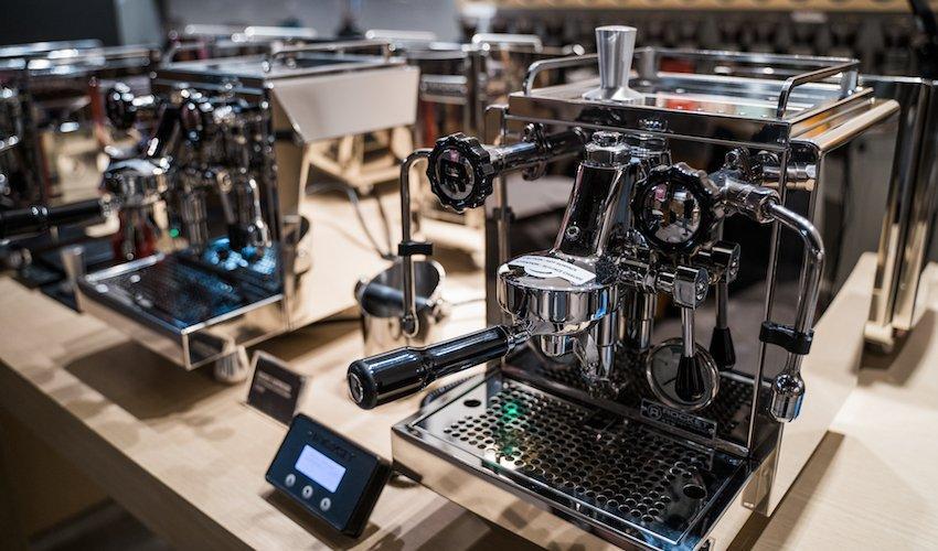Differentiating Semi-Automatic Espresso Machines
